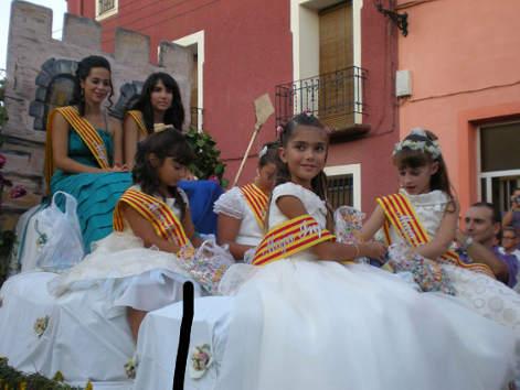 20100901124515-majas-de-las-fiestas.jpg