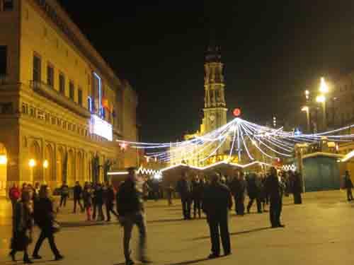 20130108172808-20121225-img-1274-plaza-del-pilar.jpg