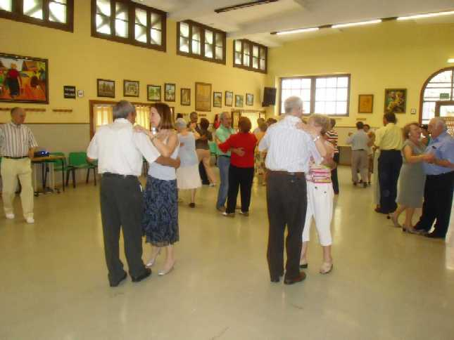 20090521112730-baile1.jpg