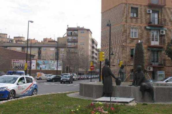 20100514134717-006a-20100319-glorieta-de-las-aguadoras-y-calle-nstra-sra-del-pueyo.jpg