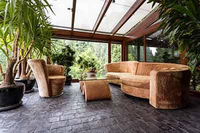 20181008184308-decorar-porche-cerrado.jpg