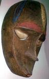 20110406035405-b-avinon-mascara.jpg