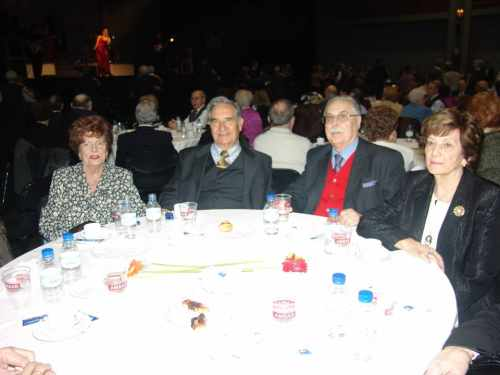 20090213150758-mesa-del-homenaje.jpg