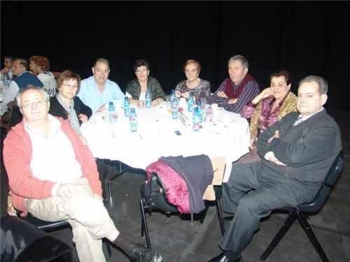 20090213150912-mesa-de-companeros.jpg