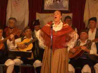 20090319222656-canta.-mujer-15.jpg