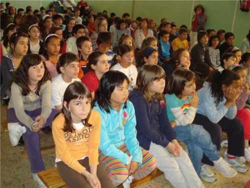 20090423184823-alumnos200.jpg