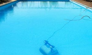 20191118113228-piscina-limpiafondos-automatico-300x180.jpg