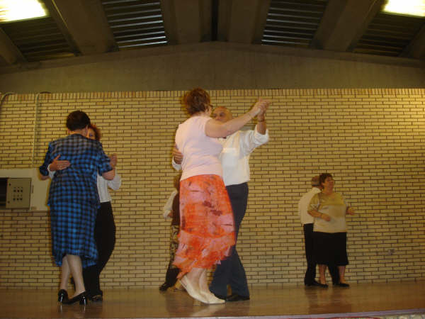20081020231341-bailes-de-los-juvilados.jpg