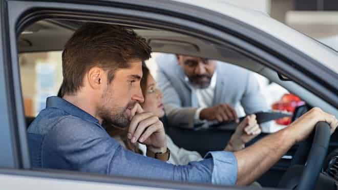 20200131084500-banco-o-concesionario-donde-es-mas-barato-financiar-el-coche-min.jpg