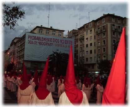 20090413111037-procesion-zaragoza-02.jpg