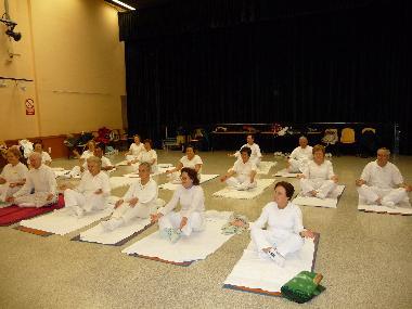 20081221211259-yoga2.jpg
