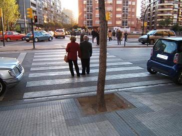 20070615213351-cruce-con-obstaculo-zaragoza-.jpg